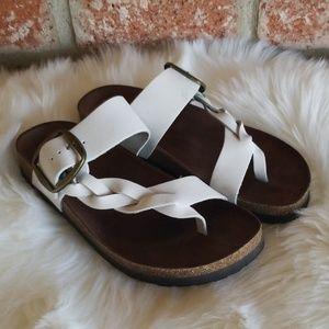White mountain white leather Crawford sandals